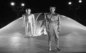 Klaatu issues a warning to Earth before hitting the road.